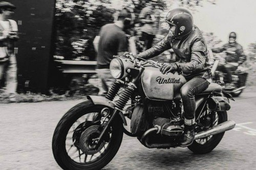 untitled-motorcycles-old-school-bmw